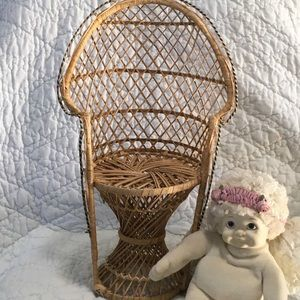 Vtg Look Wicker Rattan Miniature Peacock Chair